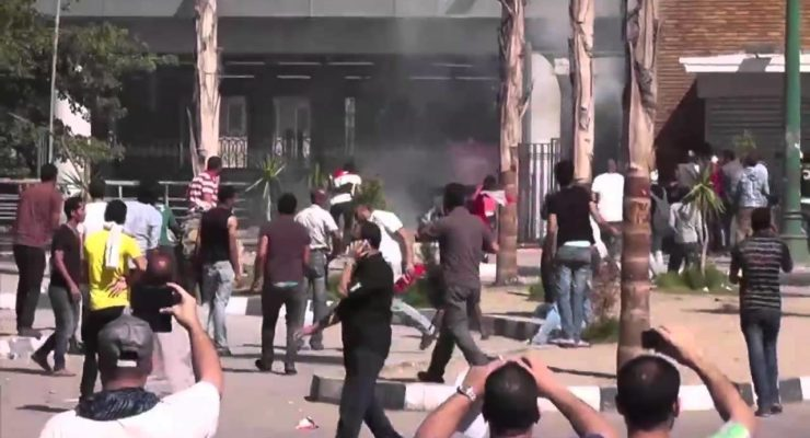 Clashes in Egypt during Morsi protests