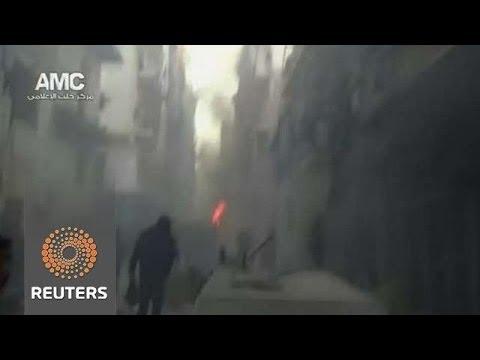 Dozens Killed by Regime Barrel Bombs in Aleppo, half of them Children