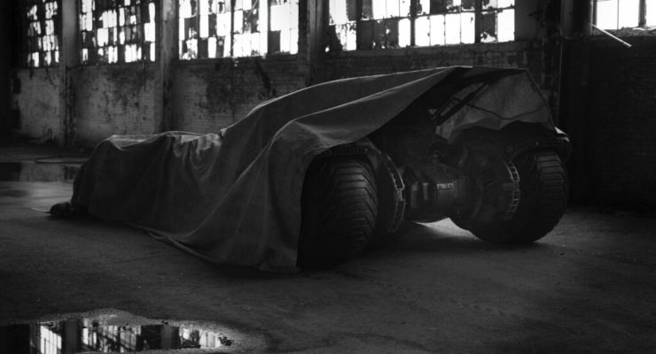 You always knew it was a Gas Hog:  Ben Affleck's Batmobile to be a Hybrid