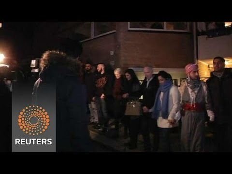 Muslims form 'Ring of Peace' around Oslo Synagogue, after Denmark Attack
