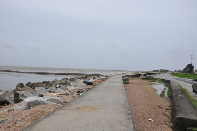 sea-wall-629x418