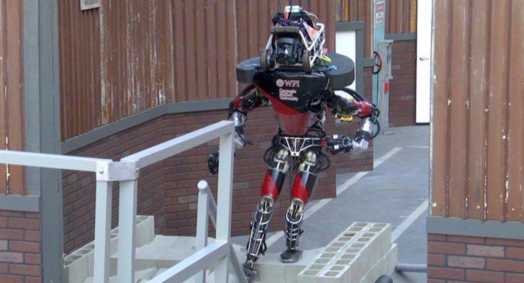 Ban real-life Terminator Robots!  So say Hawking, Wozniak, Musk, Chomsky
