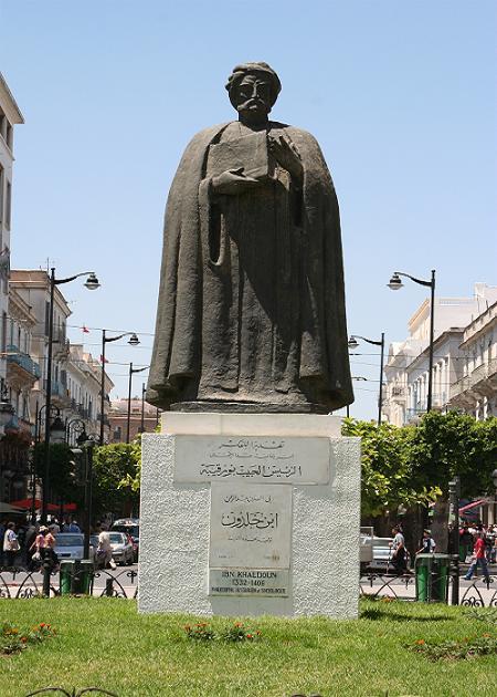 Fig_1_Statue_Ibn_Khaldun_Tunis