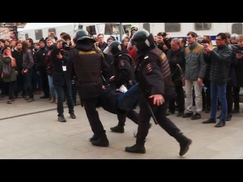 True, Trump hasn't Criticized Putin for Navalny Arrest; but Navalny is more like Trump