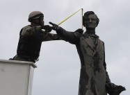 Alabama Passes Bill to Protect Confederate Monuments even at cost of Economy