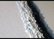 Warm waters melting Antarctic ice shelves for 1st time in 7,000 years