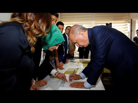 Warning to US:  Erdogan has used same techniques as Trump to de-Democratize Turkey