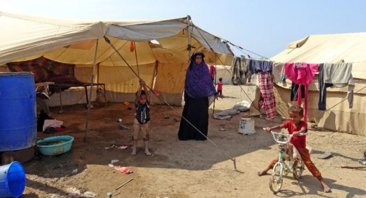 Tales of Displaced Yemenis: Two Camps, Same Tragedy