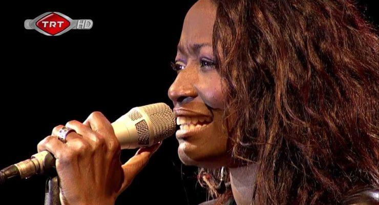 "Singer Della Miles on Gaza Strikes, Golan: ""My heart beats with you Palestine"""